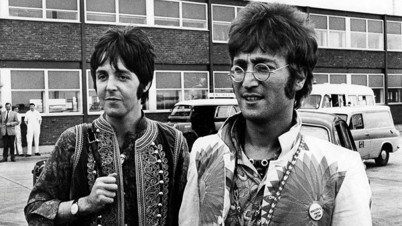 JOHN LENNON SE CONOCE CON PAUL MACCARTNEY
