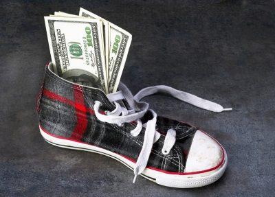 Dinero en el zapato