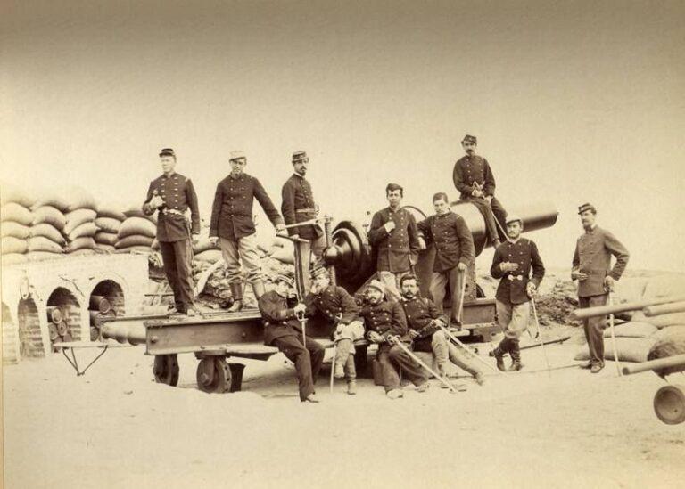 Cañón Vavasseur, en Fortaleza del Morro de Arica. Fotógrafo: Spencer y Cía., 1881. Colección Archivo Fotográfico, Museo Histórico Nacional.